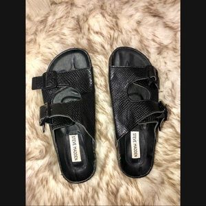 Steve Madden Shoes - Steve Madden black sandals